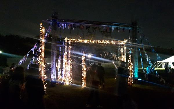 旅祭の夜のライトアップ画像