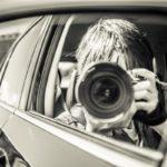 芸能人のスキャンダル現場を撮影しているカメラマンの画像